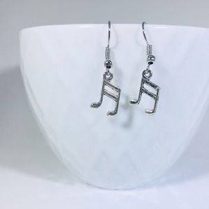 🎼 Silver Musical Note Charm Earrings